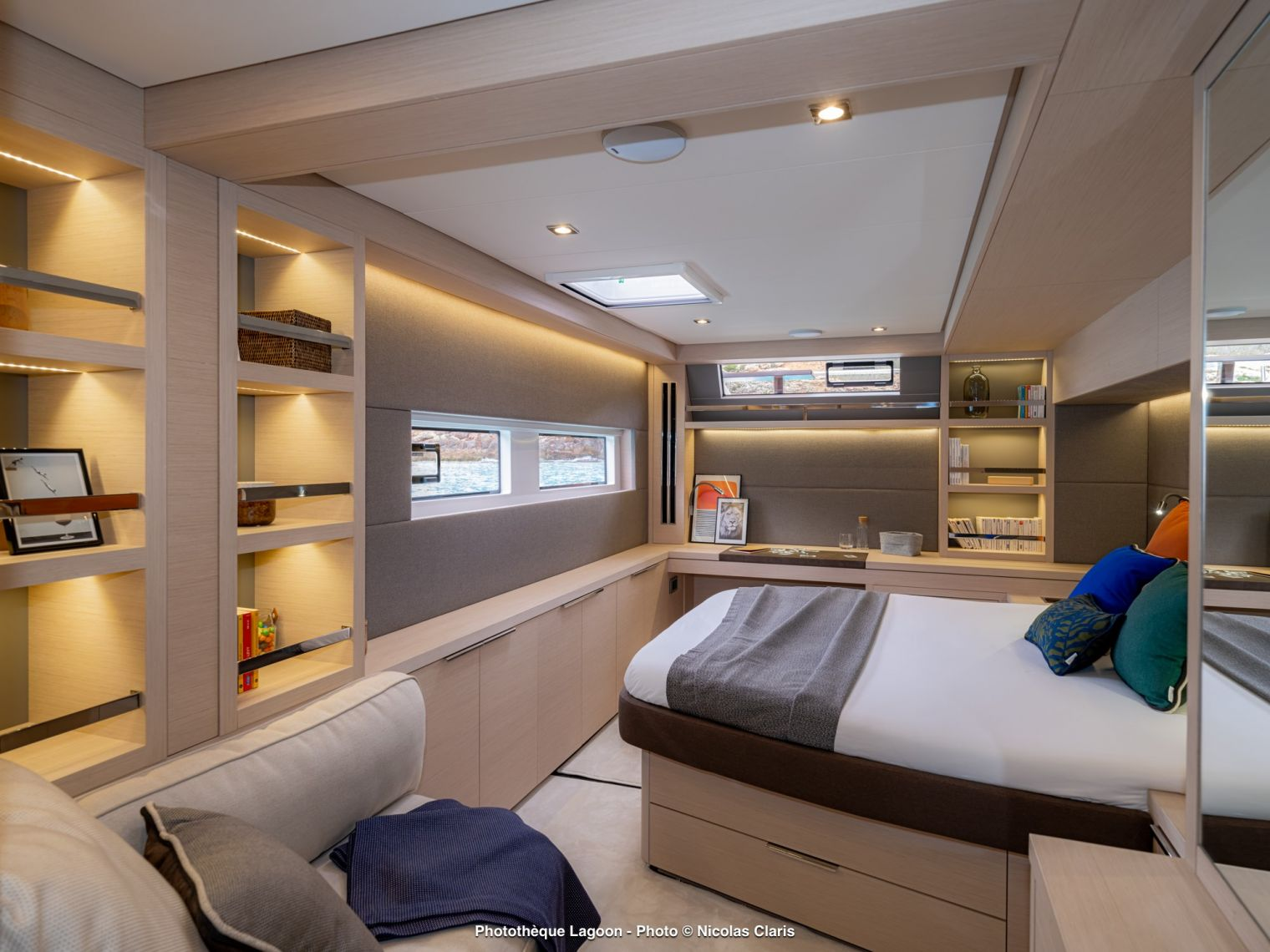 蓝高携手Sunbrella:打造舒缓的船主舱