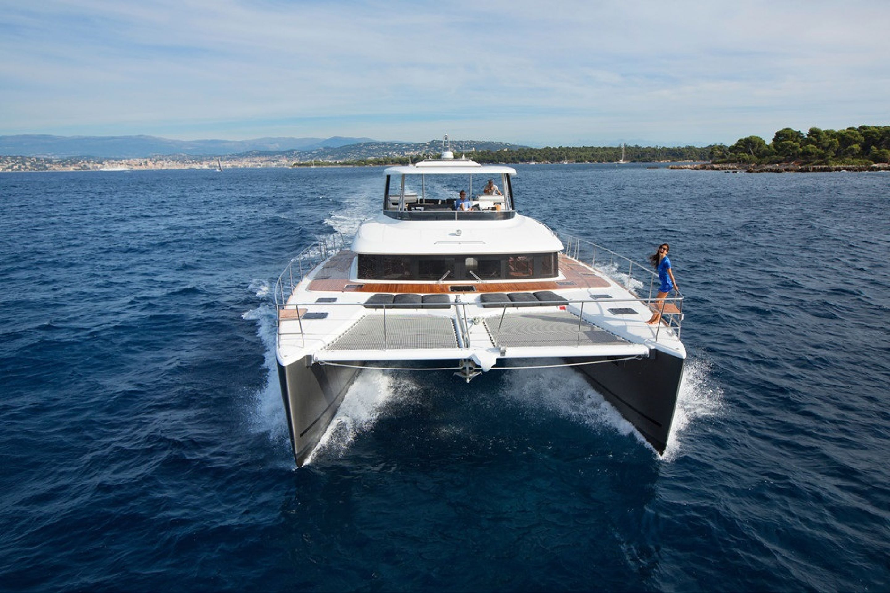 Lagoon 630 Motor Yacht No. 1 delivered to its Japanese owner